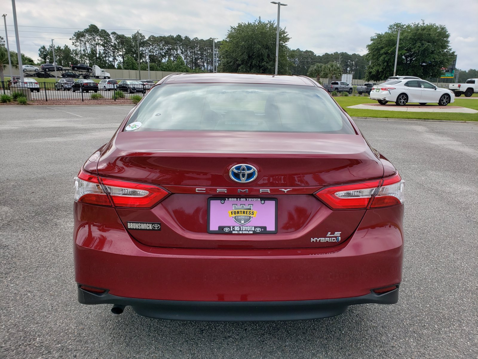 Pre-Owned 2018 Toyota Camry Hybrid LE
