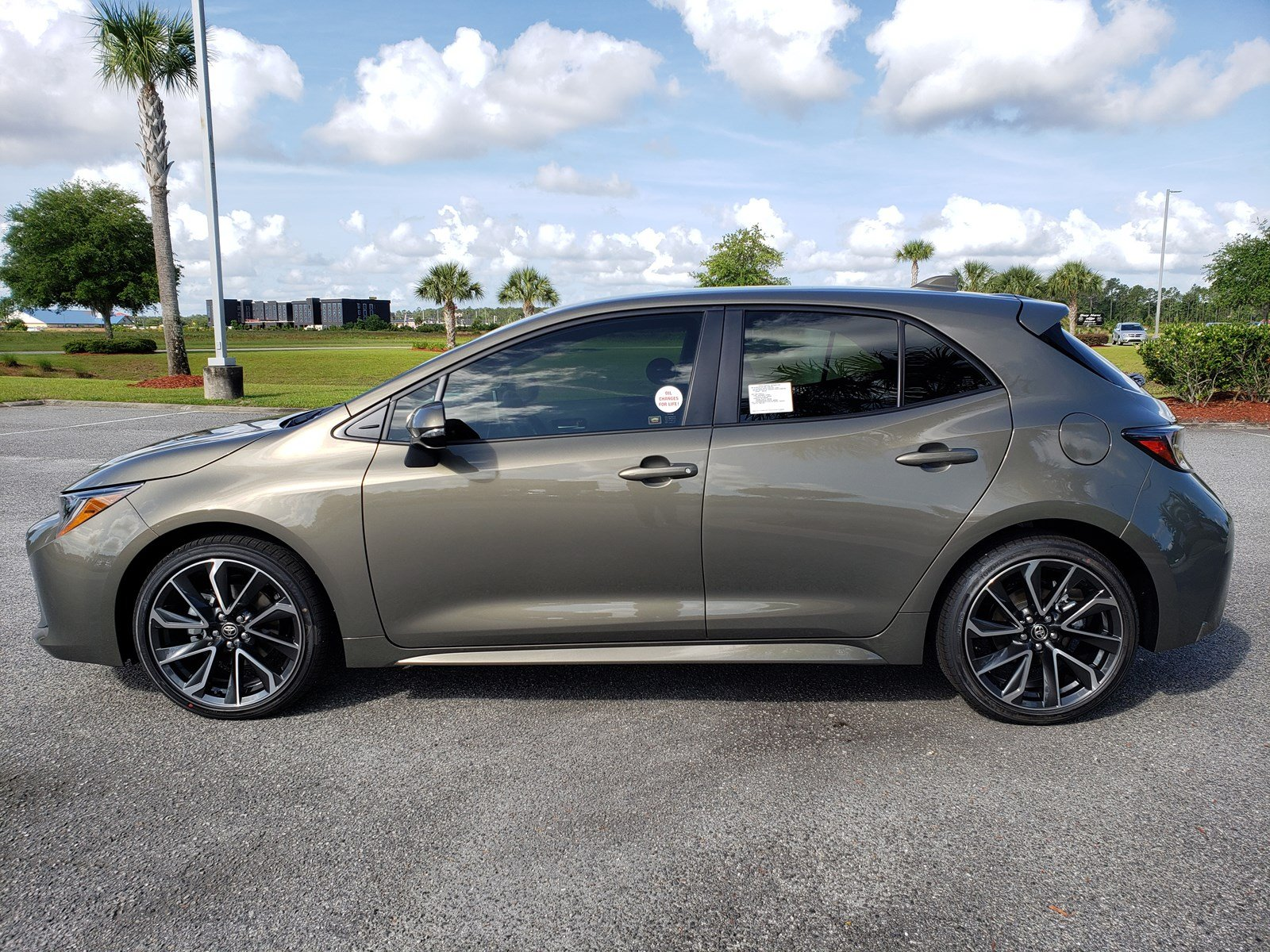 Pre-Owned 2019 Toyota Corolla Hatchback XSE