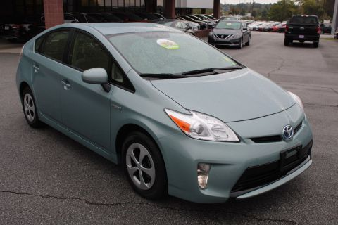 Pre-Owned 2015 Toyota Prius Five
